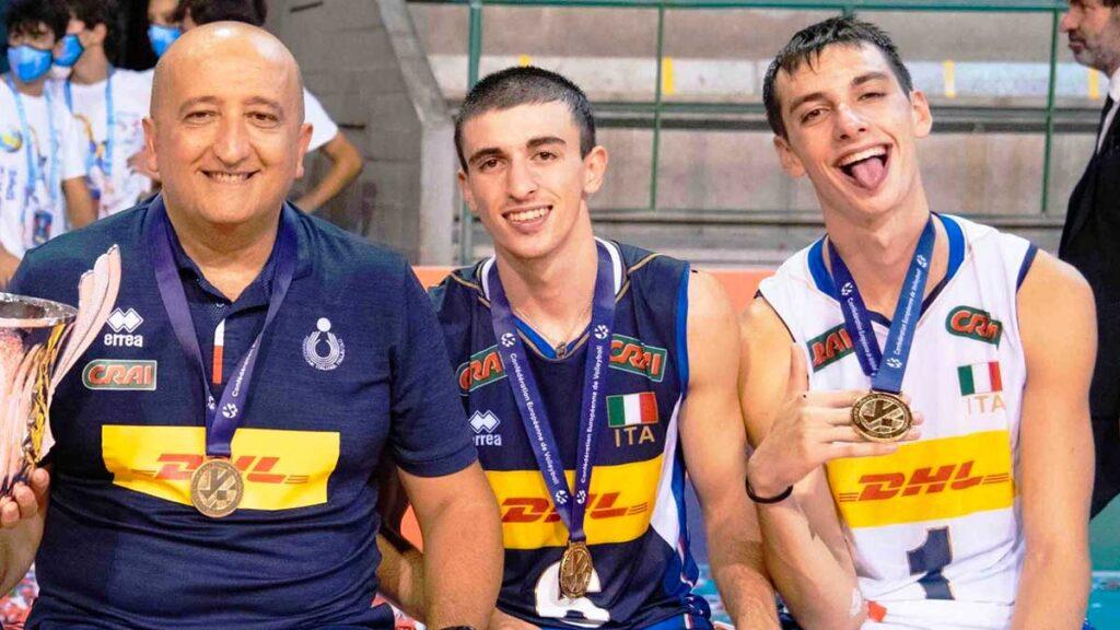 Gabriele Laurenzano e Cosimo Balestra insieme al tecnico azzurro Vincenzo Fanizza